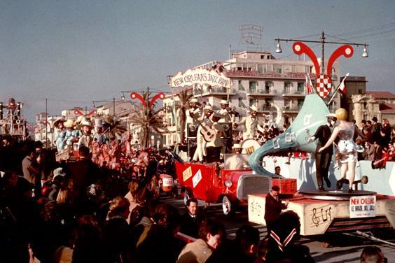 Le grazie del jazz di Vittorio Lippi - Complessi mascherati - Carnevale di Viareggio 1964