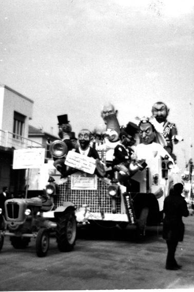 Le nozze con i fichi secchi di Giovanni Lazzarini - Complessi mascherati - Carnevale di Viareggio 1965