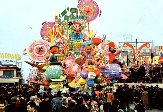 Ognuno al suo pianeta di Nilo Lenci - Carri grandi - Carnevale di Viareggio 1965