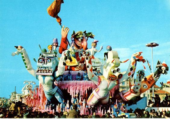 Non ti curar di lor ma guarda e... spazza di Sergio Baroni - Carri grandi - Carnevale di Viareggio 1966