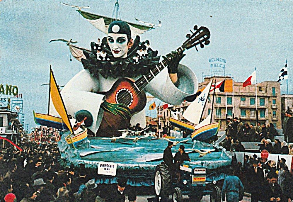 Viareggio ieri di Sergio Baroni - Carri grandi - Carnevale di Viareggio 1967