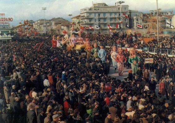 Carnevale trafficone di Fabio Malfatti - Complessi mascherati - Carnevale di Viareggio 1968