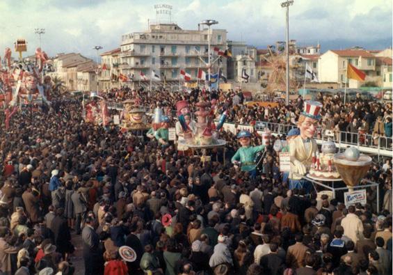 Piatti del giorno di Amedeo Mallegni - Complessi mascherati - Carnevale di Viareggio 1968