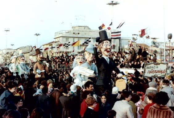 Agenzia matrimoniale di Giovanni Pardini - Mascherate di Gruppo - Carnevale di Viareggio 1970