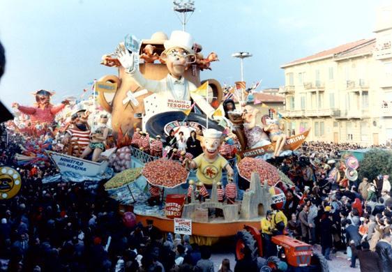 Vacanze romane di Carlo Francesconi, Sergio Barsella - Carri grandi - Carnevale di Viareggio 1970