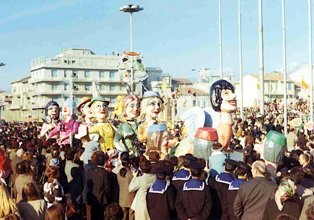 Made in Italy di Giovanni Pardini - Mascherate di Gruppo - Carnevale di Viareggio 1971