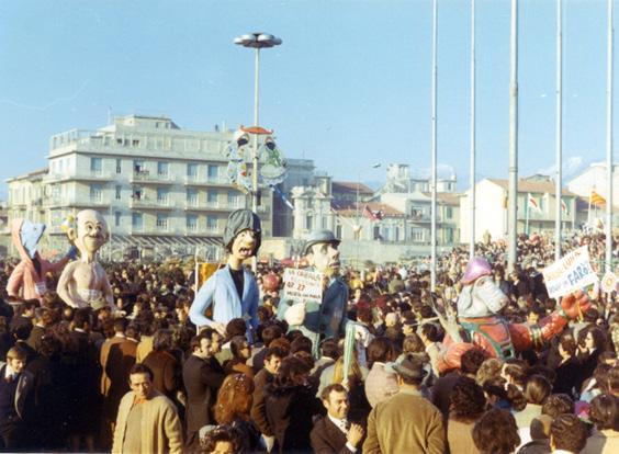 Rischio tutto di Alberto Dell'Innocenti - Maschere Isolate - Carnevale di Viareggio 1971