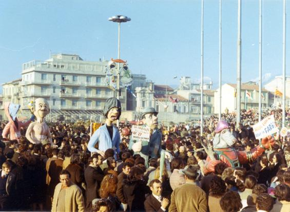 Sulla luna dove la farò? di Paolo Dal Pino - Maschere Isolate - Carnevale di Viareggio 1971