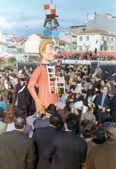 Aveva la vista stanca di Enrico Lippi - Maschere Isolate - Carnevale di Viareggio 1972