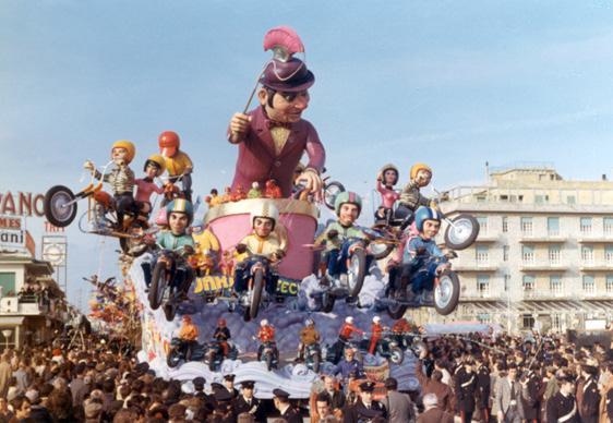 Consumismo veloce di Renato Galli - Carri grandi - Carnevale di Viareggio 1972
