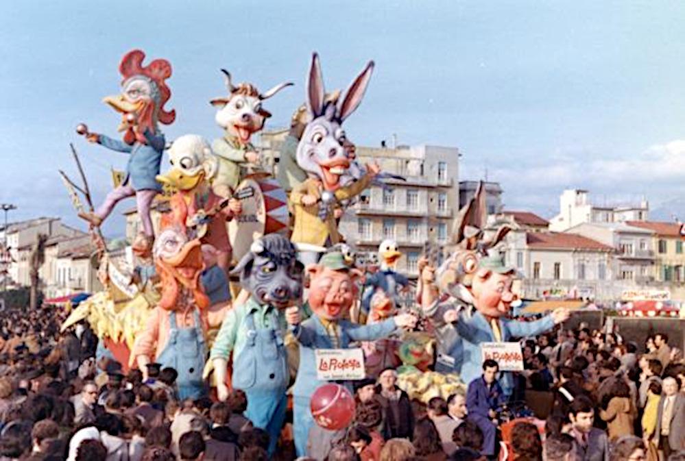 La protesta di Amedeo Mallegni - Complessi mascherati - Carnevale di Viareggio 1972