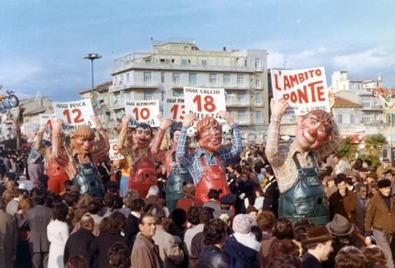 L'ambito ponte di Angelo Romani - Mascherate di Gruppo - Carnevale di Viareggio 1972