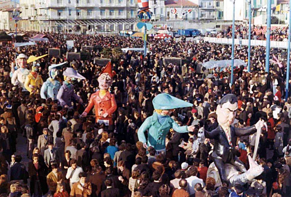 Mamma mi sono diplomato di Giampaolo Puccetti - Mascherate di Gruppo - Carnevale di Viareggio 1972