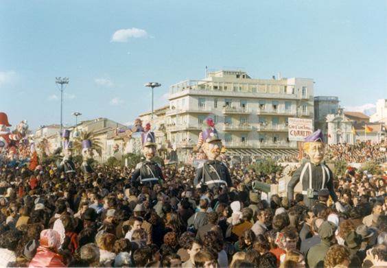 Chi è che tira la carretta di Fabio Romani - Mascherate di Gruppo - Carnevale di Viareggio 1973