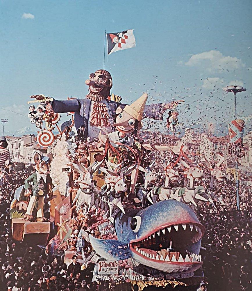 Pinocchio e le maschere di Carlo Francesconi e Sergio Barsella - Carri grandi - Carnevale di Viareggio 1973