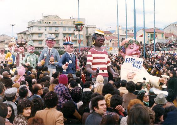 Festival bar di Giovanni Pardini - Mascherate di Gruppo - Carnevale di Viareggio 1974
