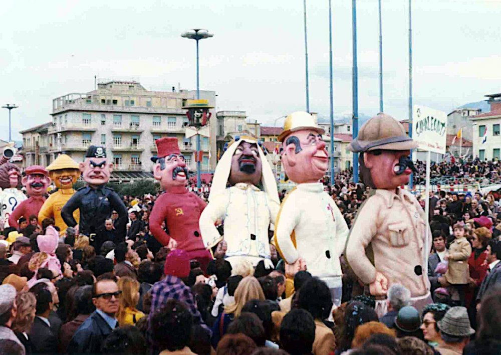 I camaleonti di Angelo Romani - Mascherate di Gruppo - Carnevale di Viareggio 1974