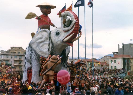 Il safari di Davino Barsella - Complessi mascherati - Carnevale di Viareggio 1974