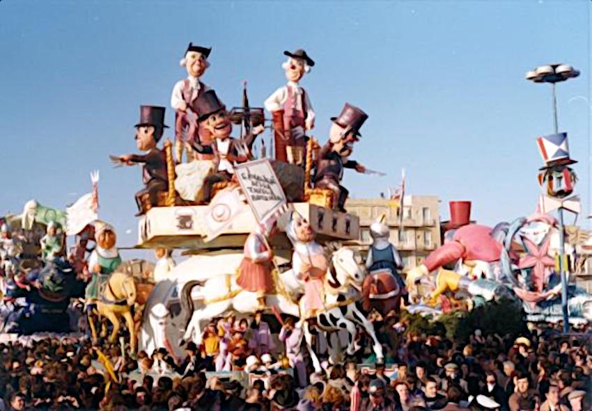 I cavalieri della tavola quadrata di Davino Barsella - Carri piccoli - Carnevale di Viareggio 1975