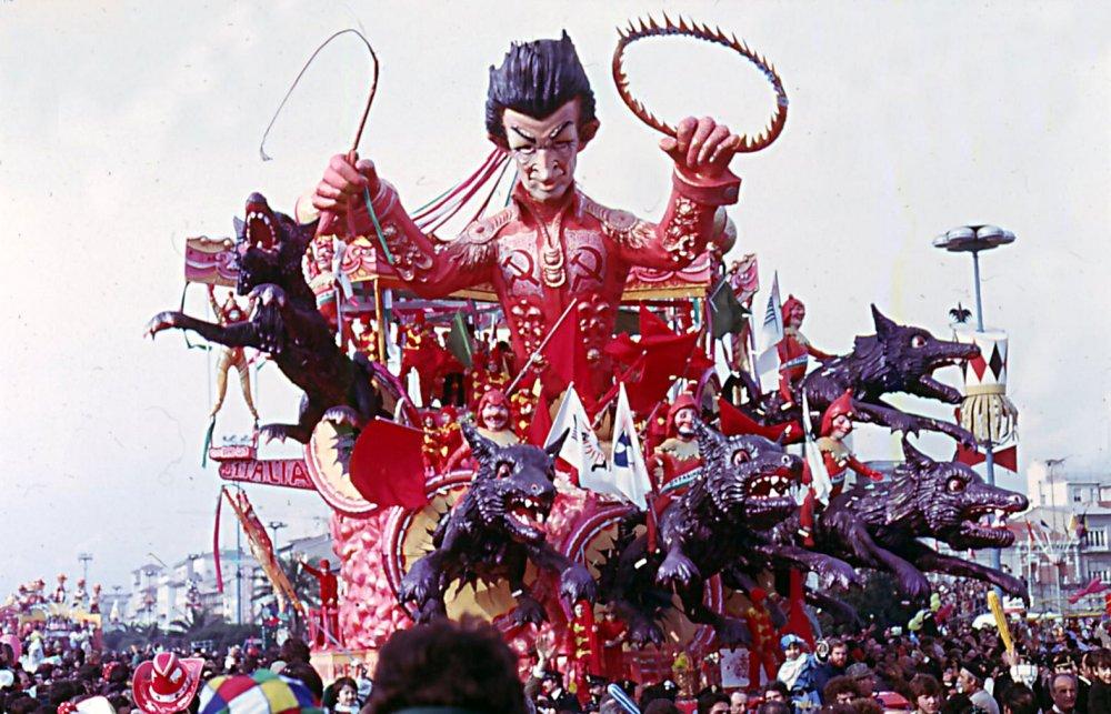 Il più grande spettacolo d'Italia di Nilo Lenci - Carri grandi - Carnevale di Viareggio 1976