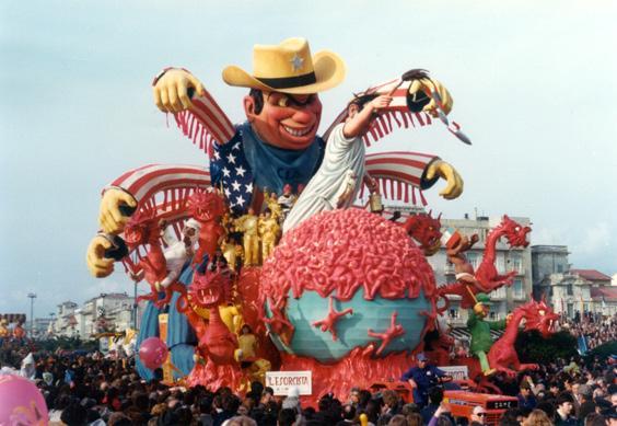L'esorcista di Silvano Avanzini - Carri grandi - Carnevale di Viareggio 1976