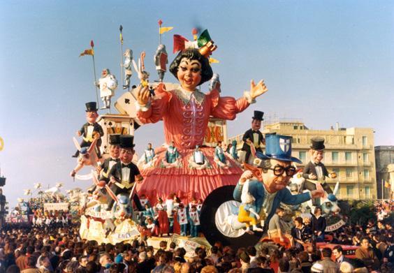Alice nel paese delle meraviglie di Carlo Vannucci - Carri grandi - Carnevale di Viareggio 1977