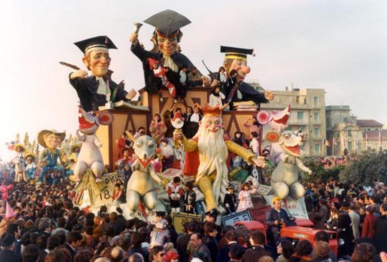 Carnevale in attesa di giudizio di Amedeo Mallegni - Carri piccoli - Carnevale di Viareggio 1977
