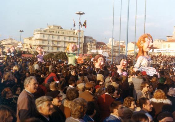 Problemi di ieri, oggi, domani di Carlo Bomberini - Mascherate di Gruppo - Carnevale di Viareggio 1978