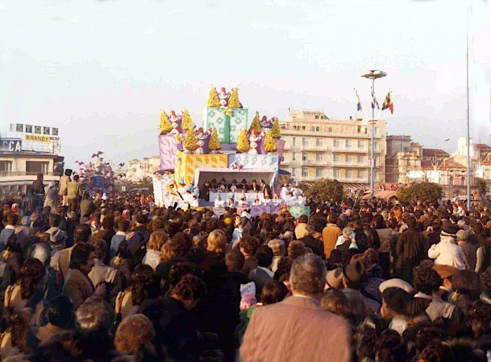 Scatole a sorpresa di Sergio Barsella - Carri piccoli - Carnevale di Viareggio 1978