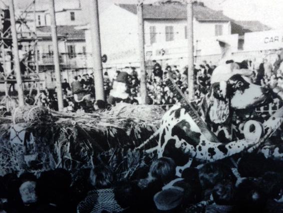 Siamo tutti cacciatori di Rione La Buriana - Palio dei Rioni - Carnevale di Viareggio 1978