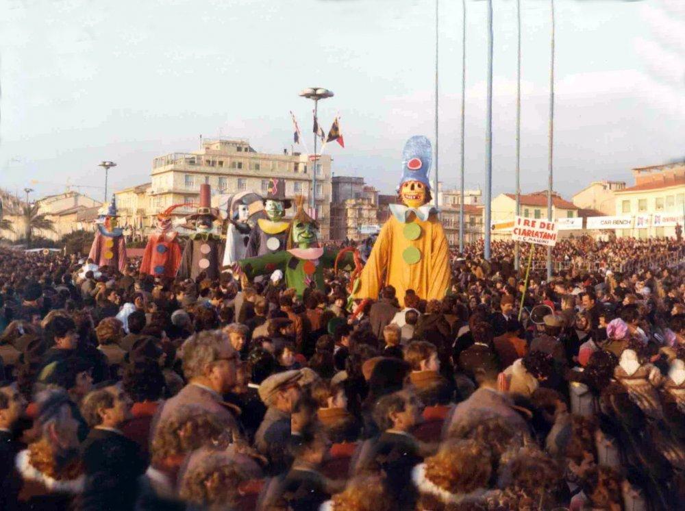 Sono arrivati i re dei ciarlatani di Giovanni Maggini - Mascherate di Gruppo - Carnevale di Viareggio 1978