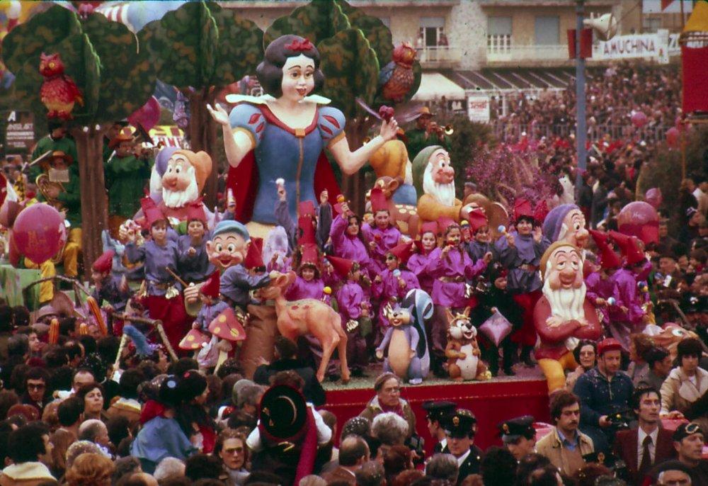 Biancaneve e i sette nani di Rione Vecchia Viareggio - Fuori Concorso - Carnevale di Viareggio 1979