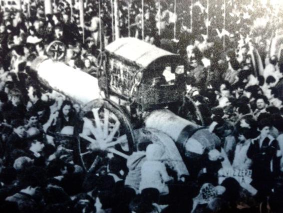 Il rientro dei Mille di Rione Migliarina - Palio dei Rioni - Carnevale di Viareggio 1979