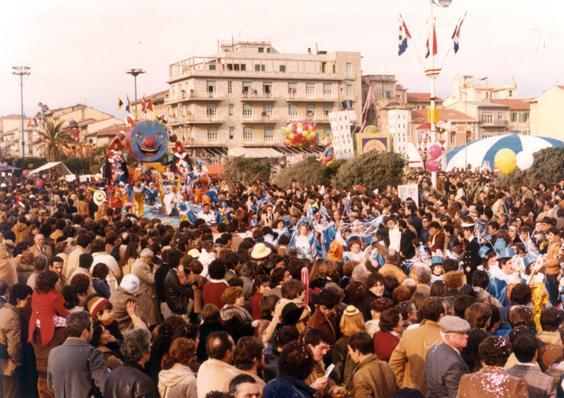 Risveglio di carnevale di Rione Centro - Palio dei Rioni - Carnevale di Viareggio 1980