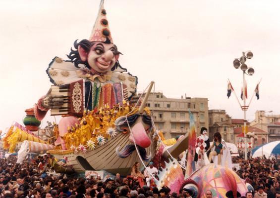 Vieni, vieni anche tu di Renato Verlanti - Carri grandi - Carnevale di Viareggio 1980