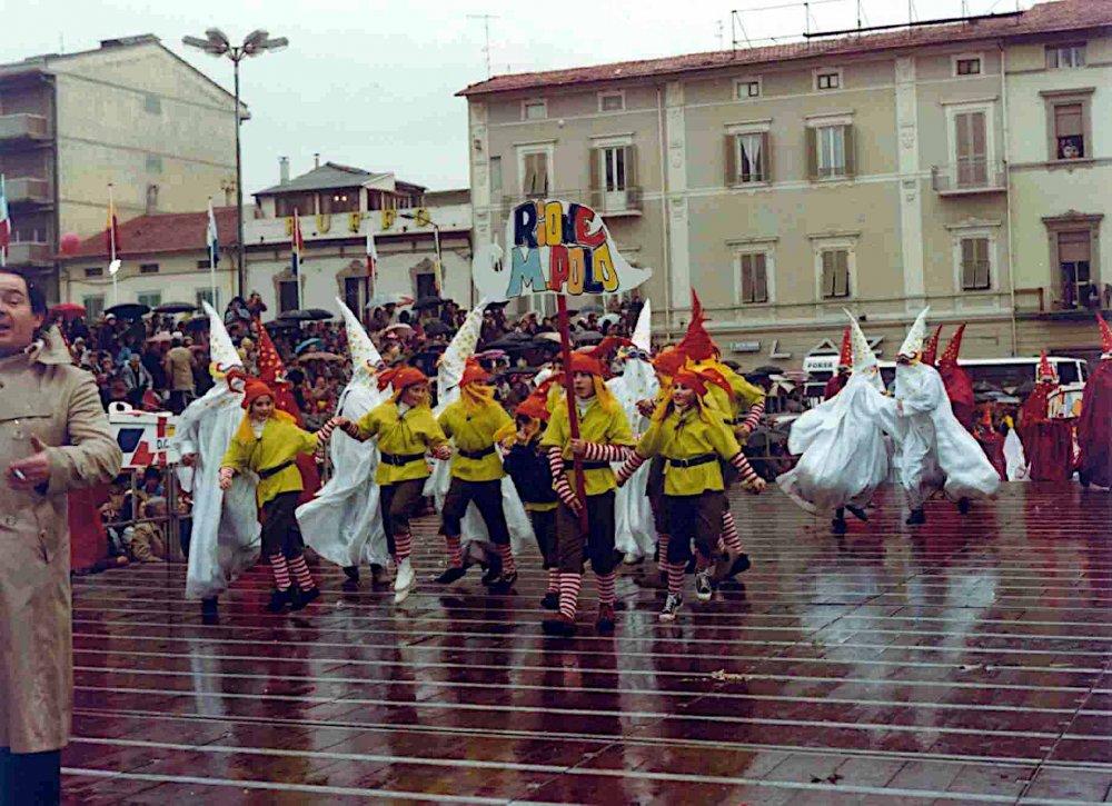 Arlecchin burlando dicea la verità di Rione Marco Polo - Palio dei Rioni - Carnevale di Viareggio 1981