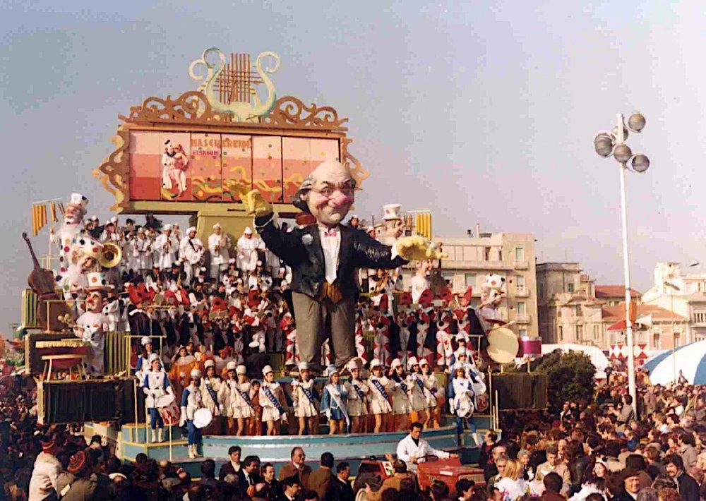 Il grande maestro di Sergio Baroni e Renato Verlanti - Carri grandi - Carnevale di Viareggio 1981
