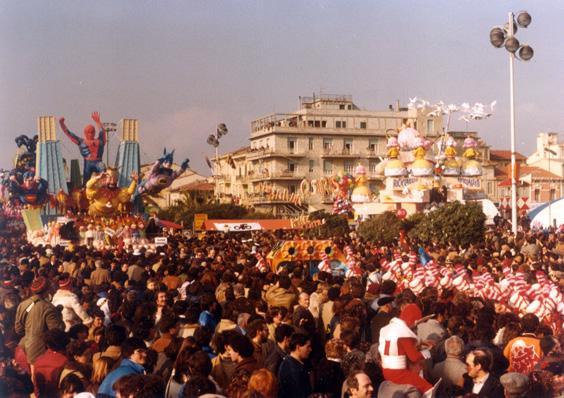 La banda Osiris di Rione Centro - Palio dei Rioni - Carnevale di Viareggio 1981