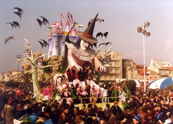 L'apprendista stregone di Giovanni Maggini - Carri piccoli - Carnevale di Viareggio 1981
