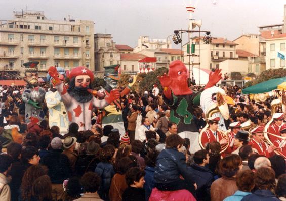 Gli spaventapace di Nilo Lenci - Mascherate di Gruppo - Carnevale di Viareggio 1982