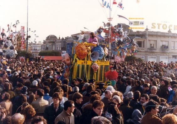 La P2 pagliacci e pierrot di Rione Comparini - Palio dei Rioni - Carnevale di Viareggio 1982