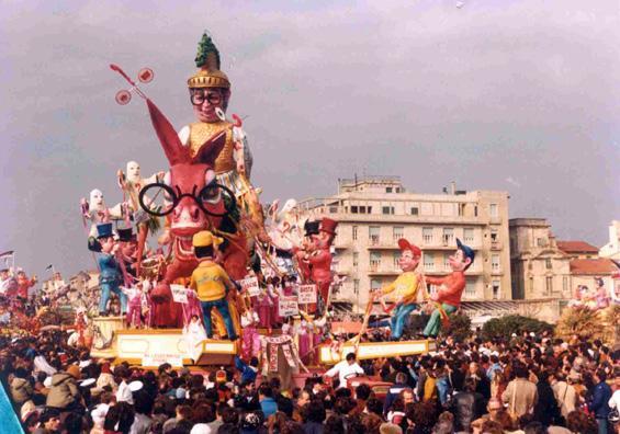 Ma il ciuco non può andare di Carlo Vannucci - Carri grandi - Carnevale di Viareggio 1982