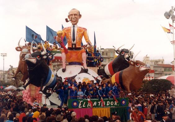El matador di Eros Canova e Roberto Alessandrini - Carri piccoli - Carnevale di Viareggio 1983