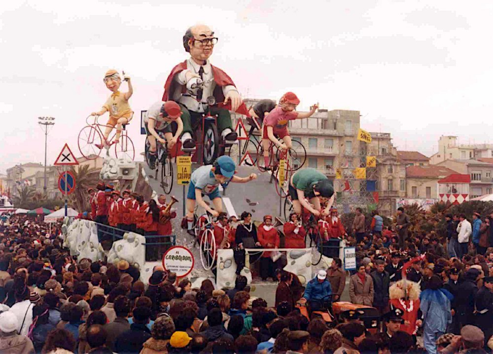 Il garibaldone di Giovanni Strambi e Guidobaldo Francesconi - Carri piccoli - Carnevale di Viareggio 1983