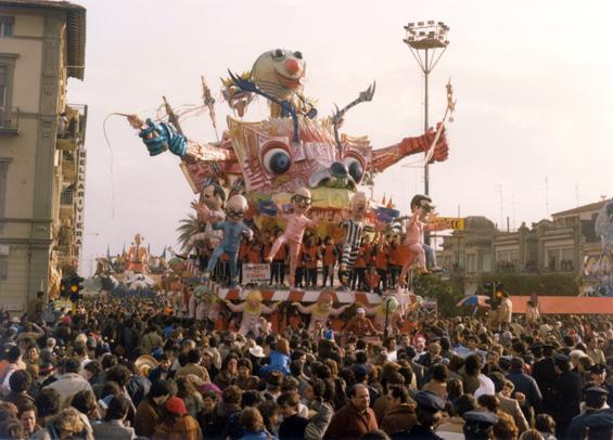 La resa dei conti di Giulio Palmerini (progetto di Nilo Lenci) - Carri grandi - Carnevale di Viareggio 1983