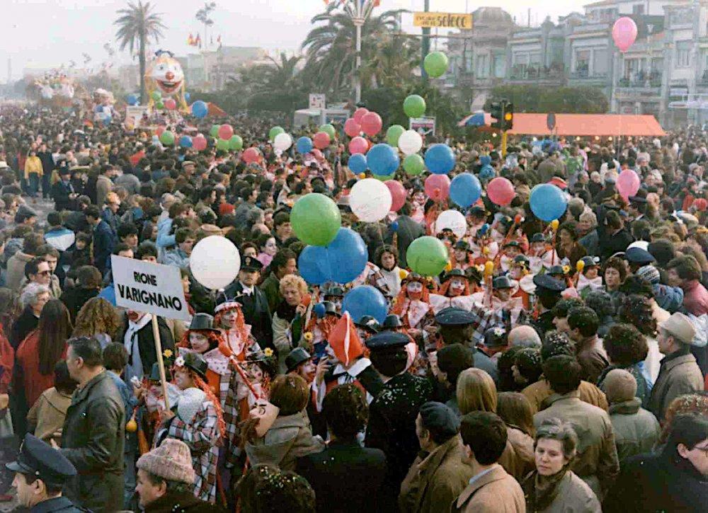 Pensieri che volano di Rione Varignano - Palio dei Rioni - Carnevale di Viareggio 1983