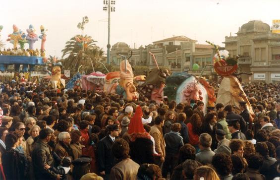 La frutta fresca di Laura Canova - Mascherate di Gruppo - Carnevale di Viareggio 1984