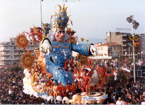 Maghi, Diavoli e scaramanzie di Carlo Vannucci, Vasco Bazzichi (prog. Lazzarini) - Carri grandi - Carnevale di Viareggio 1984