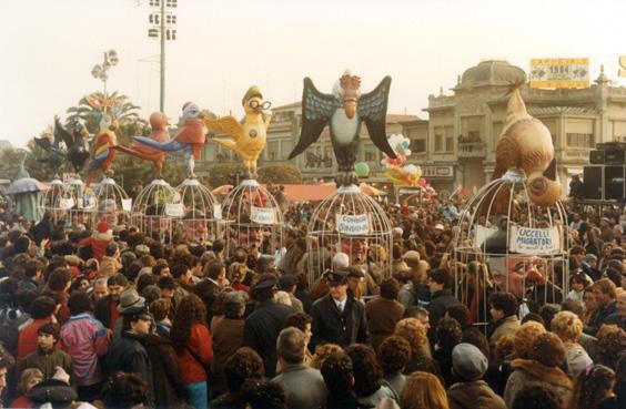 Uccelli migratori di Giovanni Pardini - Mascherate di Gruppo - Carnevale di Viareggio 1984