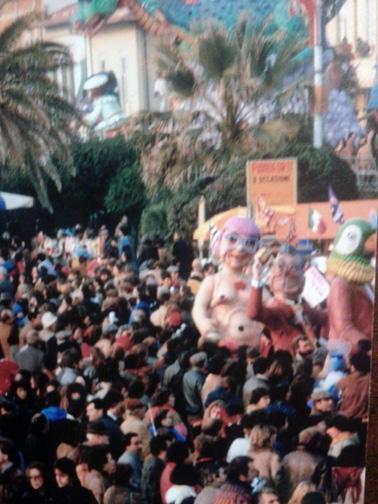 Vamos alla playa di Carlo Martinelli - Maschere Isolate - Carnevale di Viareggio 1984